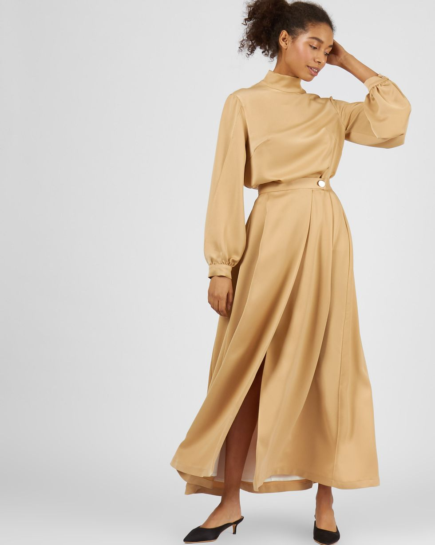 Комплект: Блуза с разрезами и юбка макси  XSКомплекты<br><br><br>Артикул: 7012958<br>Размер: XS<br>Цвет: Бежевый<br>Новинка: НЕТ<br>Наименование en: Slit detail blouse and maxi skirt co-ord
