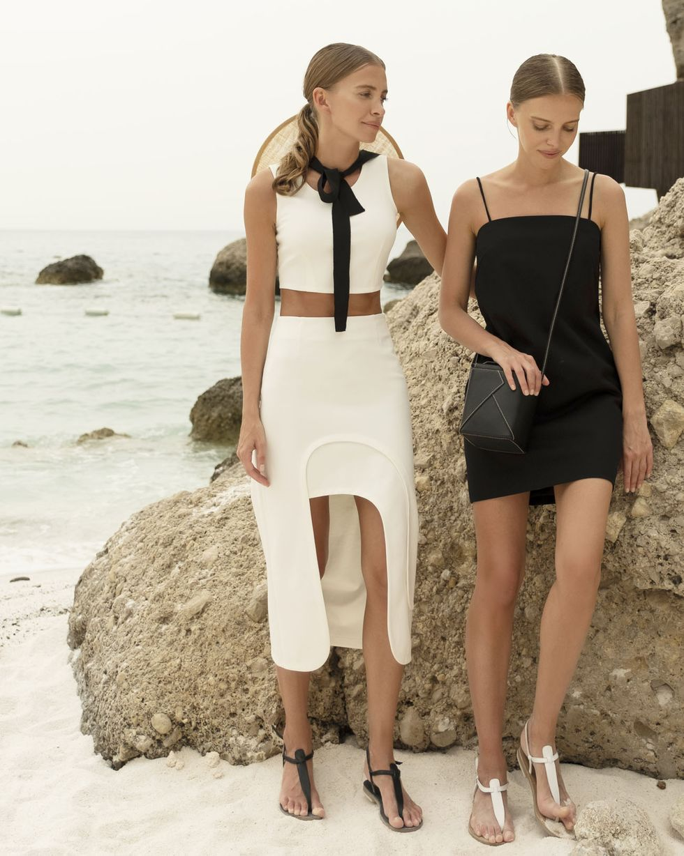 12Storeez Комплект: Укороченный топ и юбка миди (молочный) soft line горничная юбка топ и украшение на шею