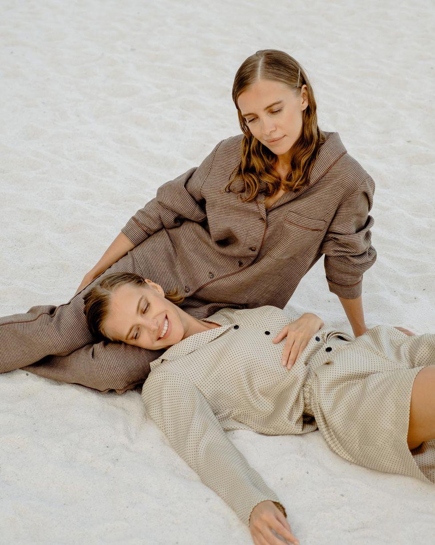 12Storeez Комплект: Рубашка с брюками изо льна (коричневый) 12storeez рубашка в мужском стиле изо льна молочный