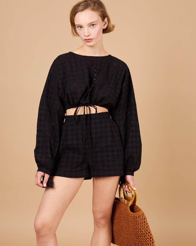 12Storeez Комплект: Блуза укороченная и шорты (черный) блуза