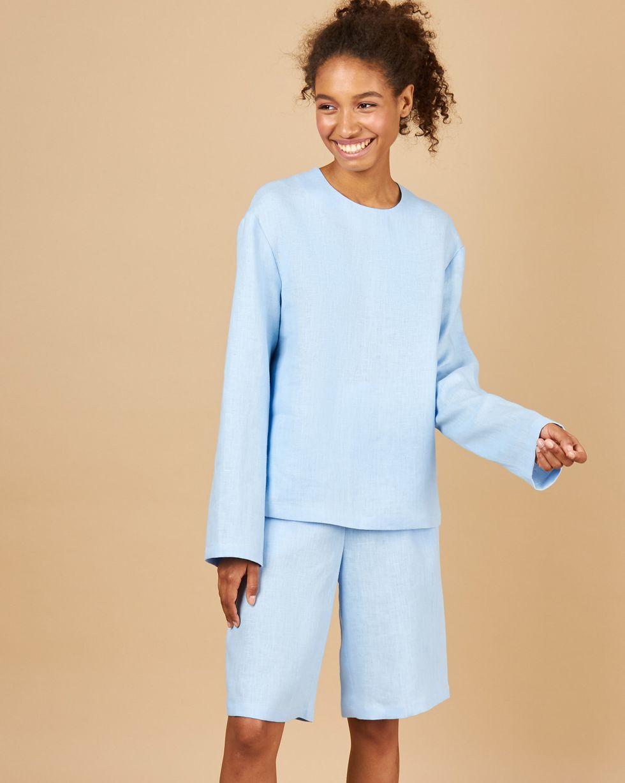12Storeez Костюм: Топ и удлиненные шорты изо льна (голубой) игровой голубой костюм улетная стюардесса топ мини юбка шарф значок и пилотка
