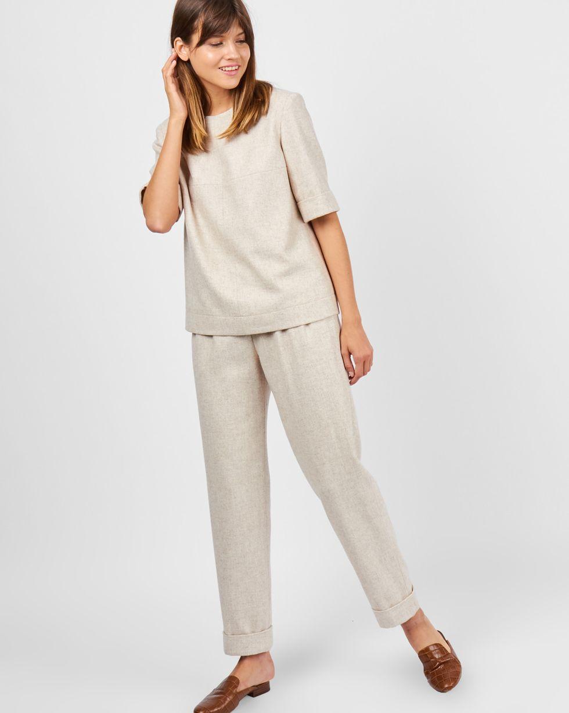 Костюм: топ с коротким рукавом и брюки MКомплекты<br><br><br>Артикул: 707062<br>Размер: M<br>Цвет: Молочный<br>Новинка: НЕТ<br>Наименование en: Short sleeve top &amp; trousers two-piece set