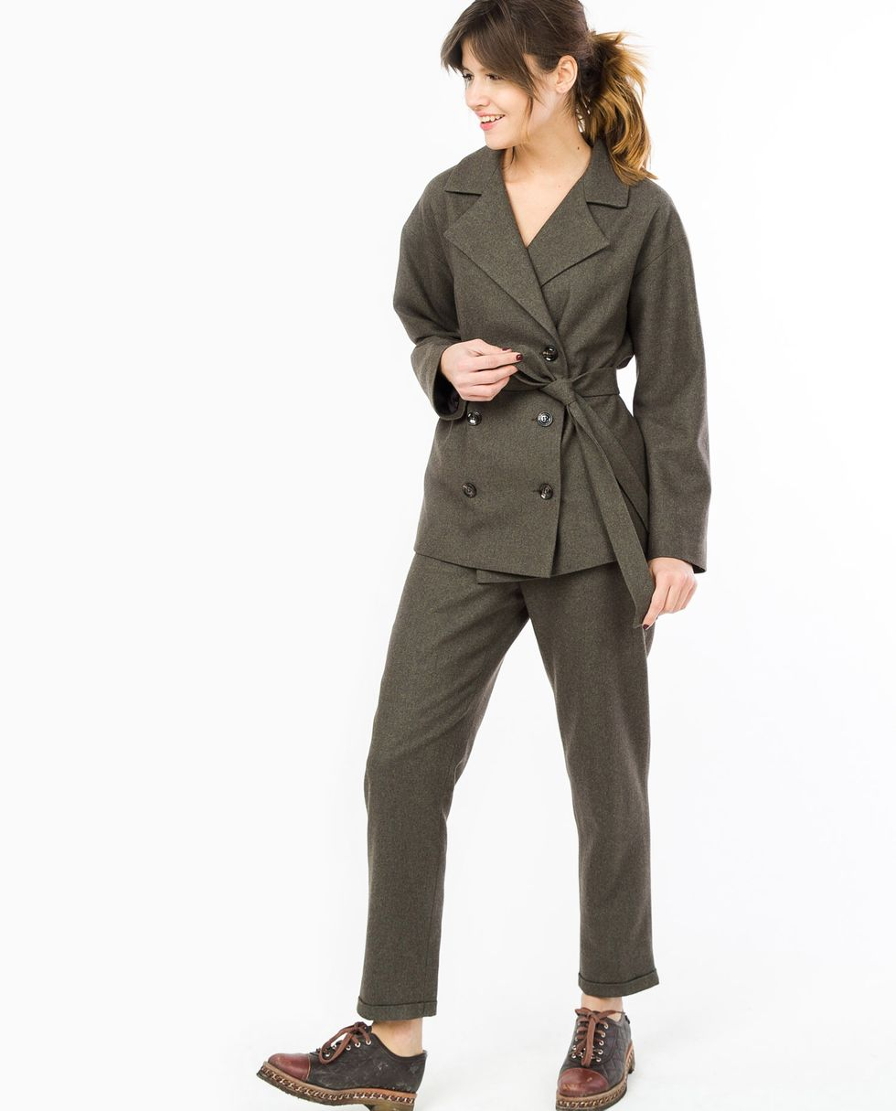 Костюм: жакет двубортный и брюки SКомплекты<br><br><br>Артикул: 707066<br>Размер: S<br>Цвет: Темный мох<br>Новинка: НЕТ<br>Наименование en: Suit: double-breasted jacket and trousers