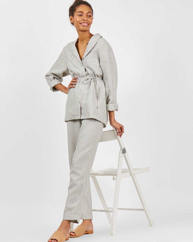 Комплект: рубашка с брюками изо льна Mкомплекты<br><br><br>Артикул: 708013<br>Размер: M<br>Цвет: Серый<br>Новинка: НЕТ<br>Наименование en: Linen shirt and trousers co-ord