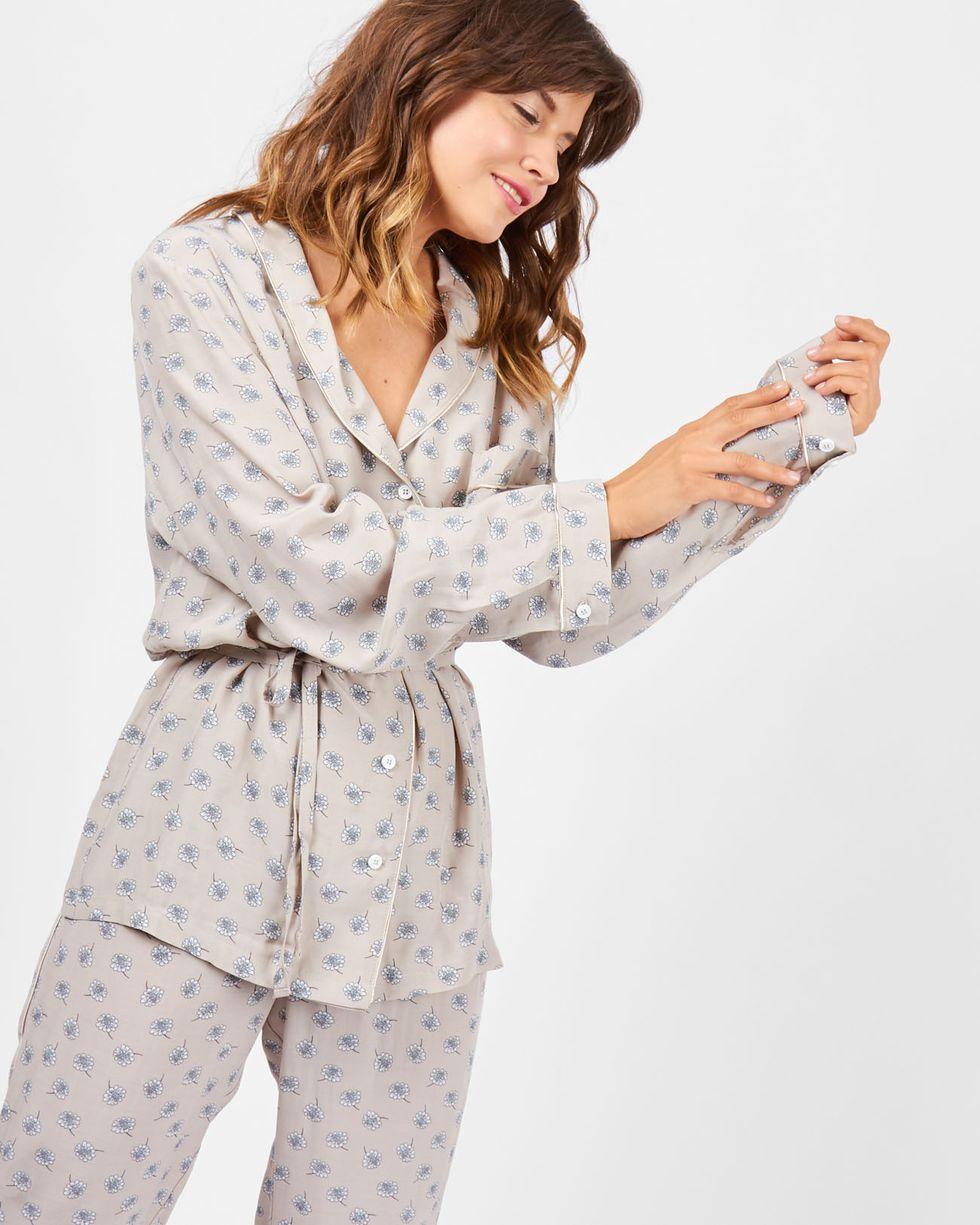 Костюм: рубашка с брюками в цветок SКомплекты<br><br><br>Артикул: 709172<br>Размер: S<br>Цвет: Бежевый<br>Новинка: НЕТ<br>Наименование en: Floral print shirt and trousers co-ord