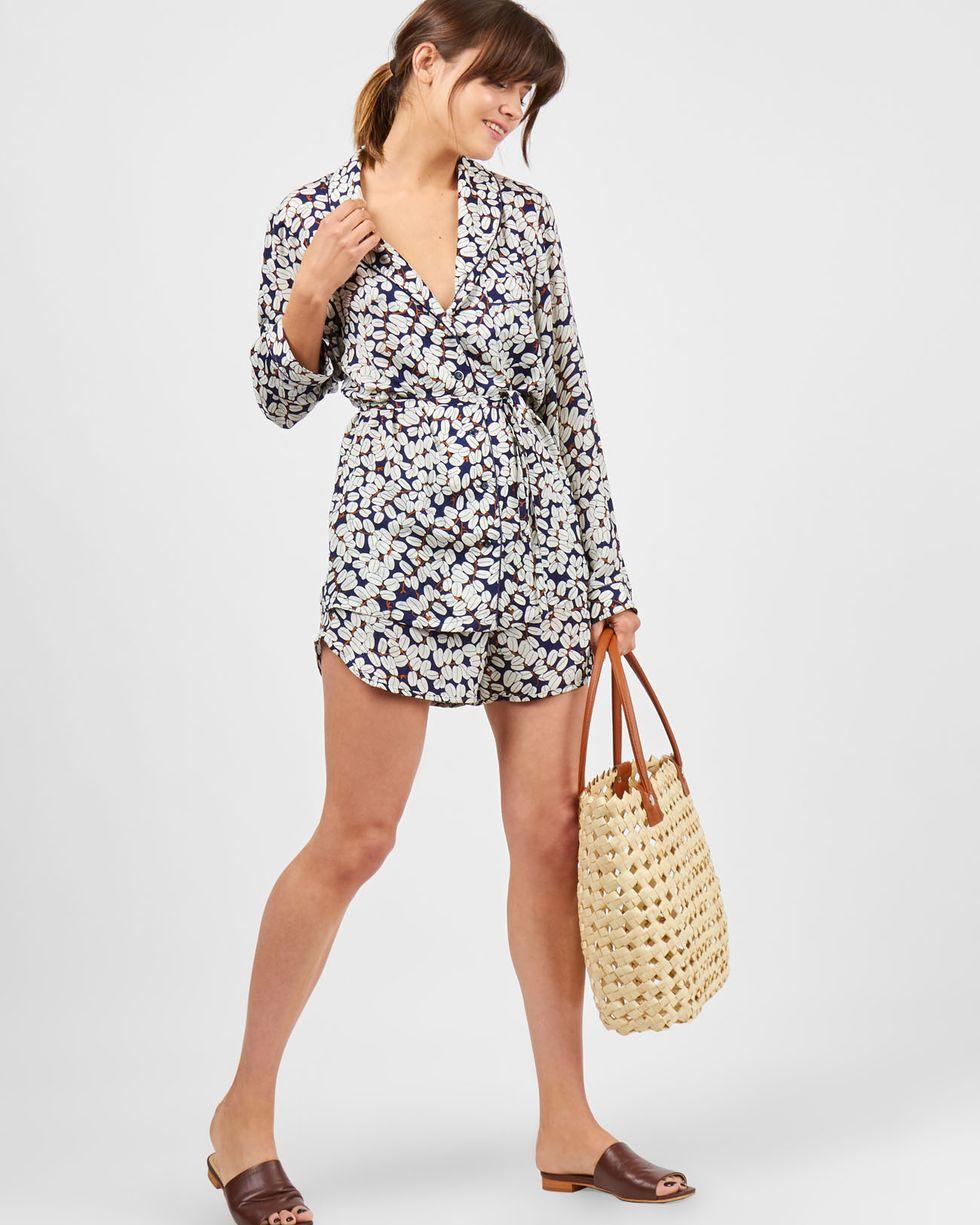 Комплект: рубашка с шортами зерна кофе Mкомплекты<br><br><br>Артикул: 709372<br>Размер: M<br>Цвет: Синий<br>Новинка: ДА<br>Наименование en: Loose shirt and shorts co-ord