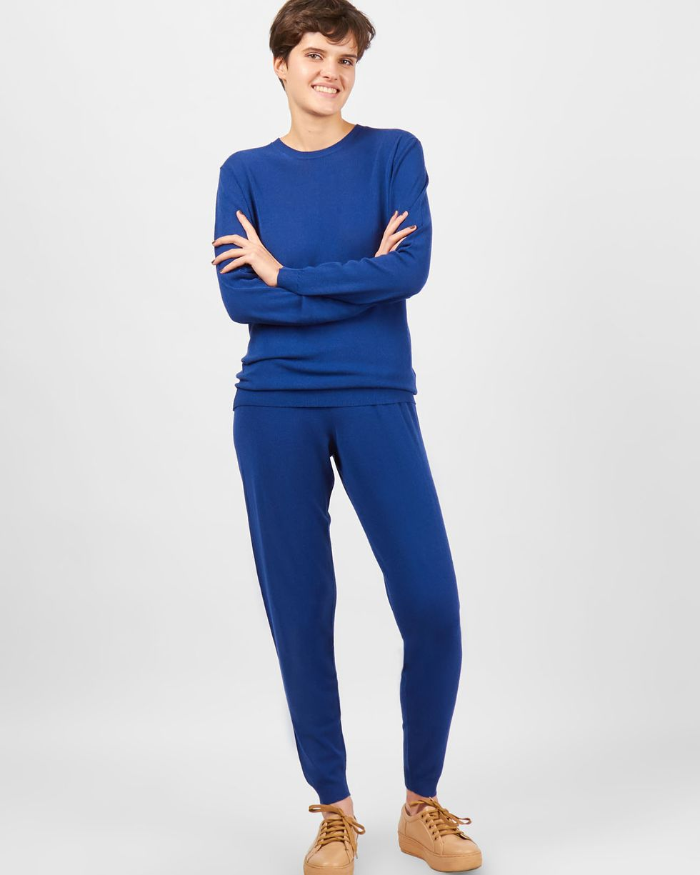 Костюм: джемпер и брюки с карманами Sкомплекты<br><br><br>Артикул: 709704<br>Размер: S<br>Цвет: Темно-синий<br>Новинка: НЕТ<br>Наименование en: Fine knit jumper and joggers co-ord