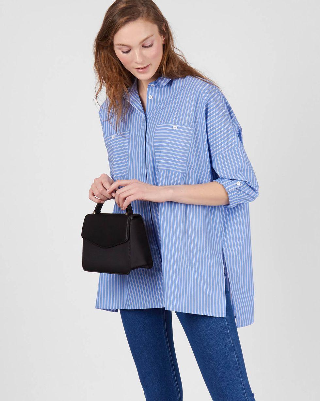 Рубашка с карманами в полоску двойную One sizeРубашки<br><br><br>Артикул: 230013097<br>Размер: One size<br>Цвет: Синий<br>Новинка: НЕТ<br>Наименование en: Stripe oversized shirt