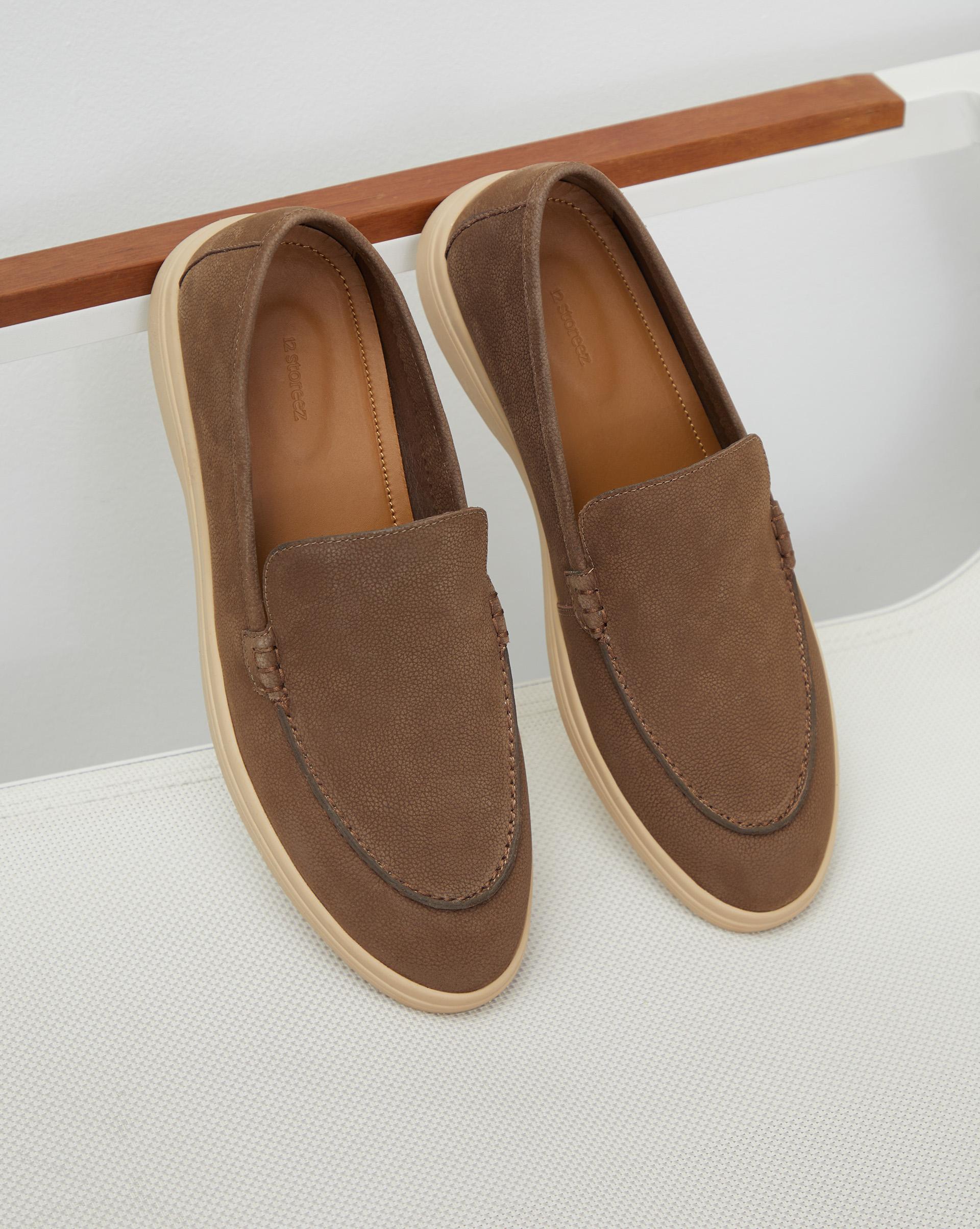 Туфли-лоферы из фактурной кожи