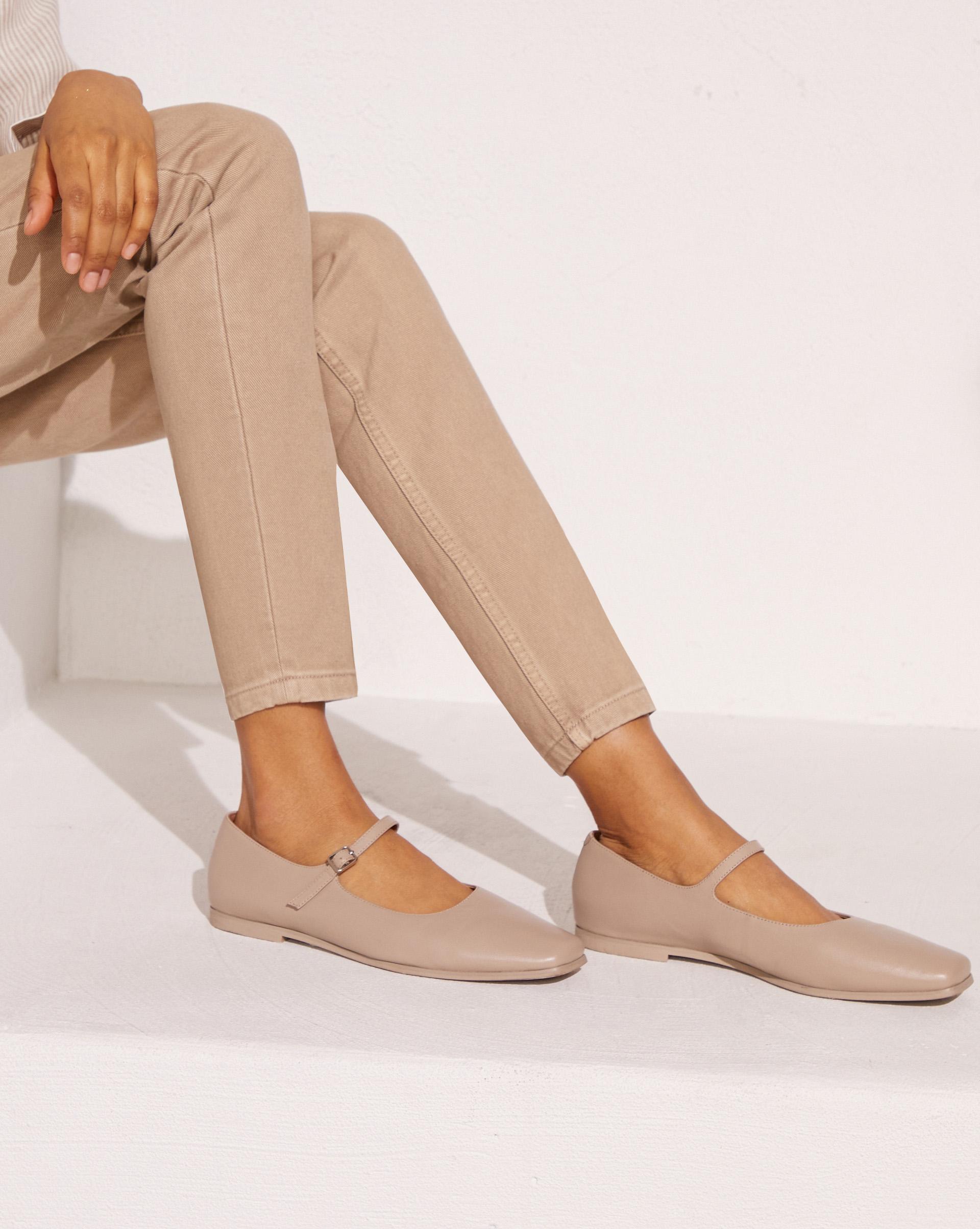 Туфли с ремешком на подъеме