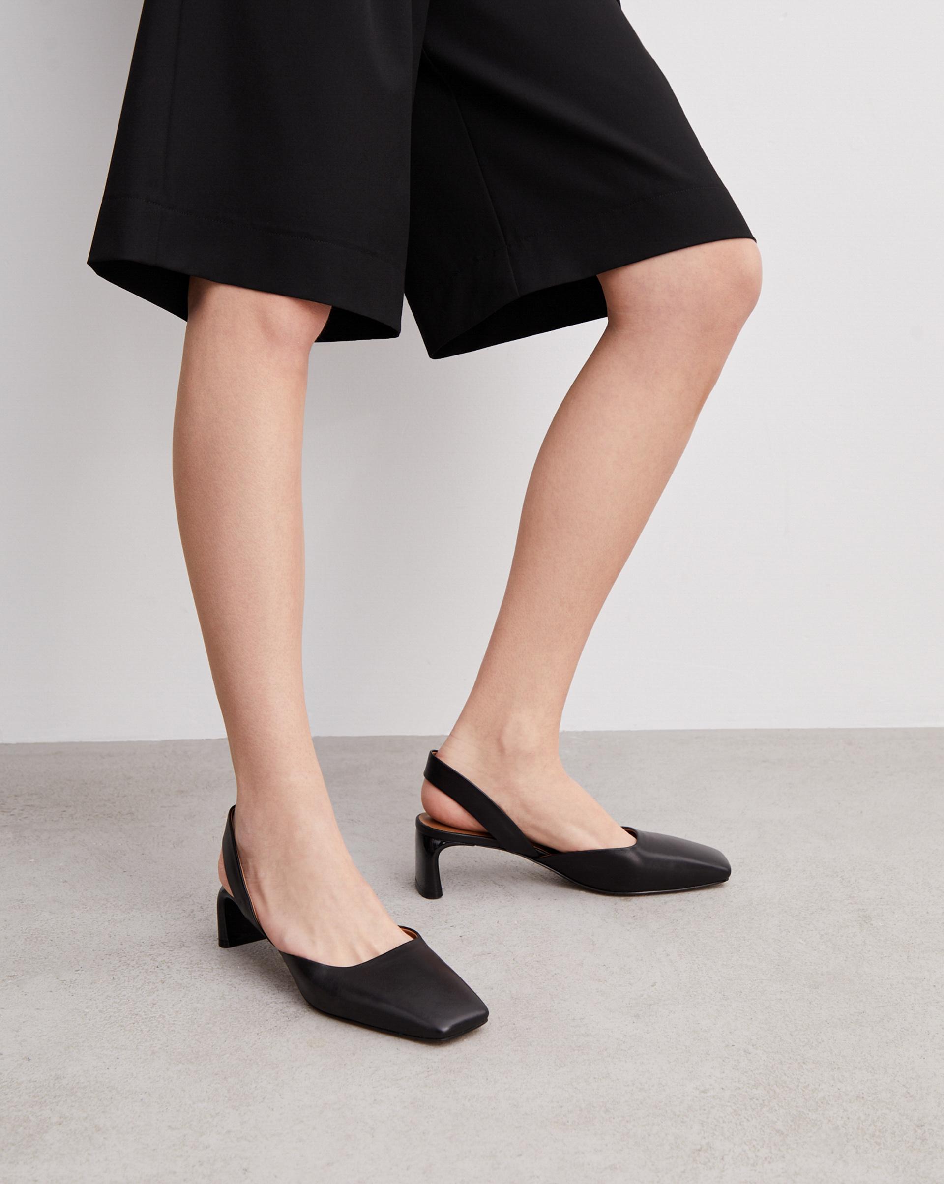 Босоножки на лакированном каблуке