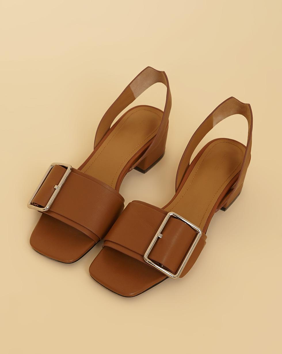 12Storeez Сандалии на каблуке с пряжкой (светло-коричневый) SS19