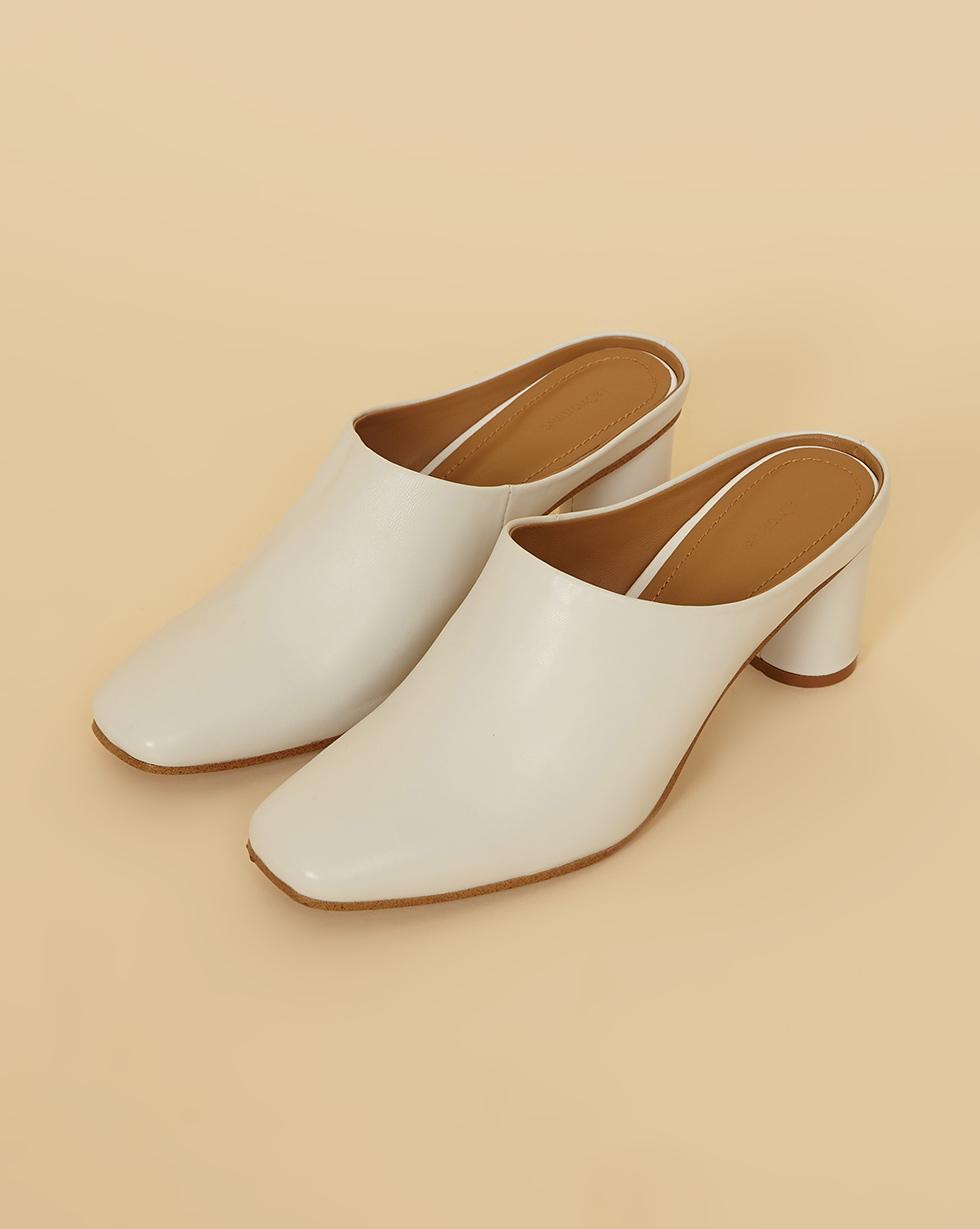 12Storeez Туфли-мюли на каблуке с открытой пяткой (белый) SS19 цена и фото