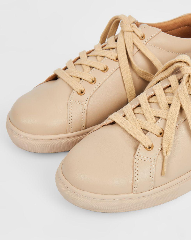 Кеды кожаные 36Обувь<br><br><br>Артикул: 818410557<br>Размер: 36<br>Цвет: Молочный<br>Новинка: НЕТ<br>Наименование en: Leather sneakers