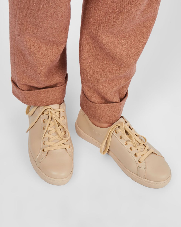 Кеды кожаные 39Обувь<br><br><br>Артикул: 818410557<br>Размер: 39<br>Цвет: Молочный<br>Новинка: НЕТ<br>Наименование en: Leather sneakers