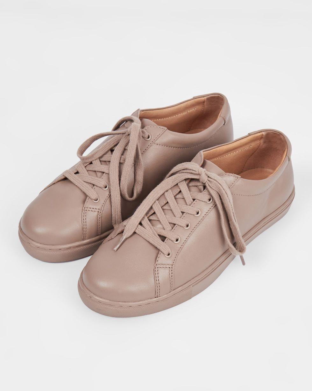 Кеды кожаные 35Обувь<br><br><br>Артикул: 818410559<br>Размер: 35<br>Цвет: Кофейный<br>Новинка: НЕТ<br>Наименование en: Leather sneakers