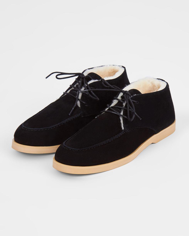 Полуботинки на шнурках с мехом 41Обувь<br><br><br>Артикул: 818411597<br>Размер: 41<br>Цвет: Черный<br>Новинка: НЕТ<br>Наименование en: Lace-up fur lined boots