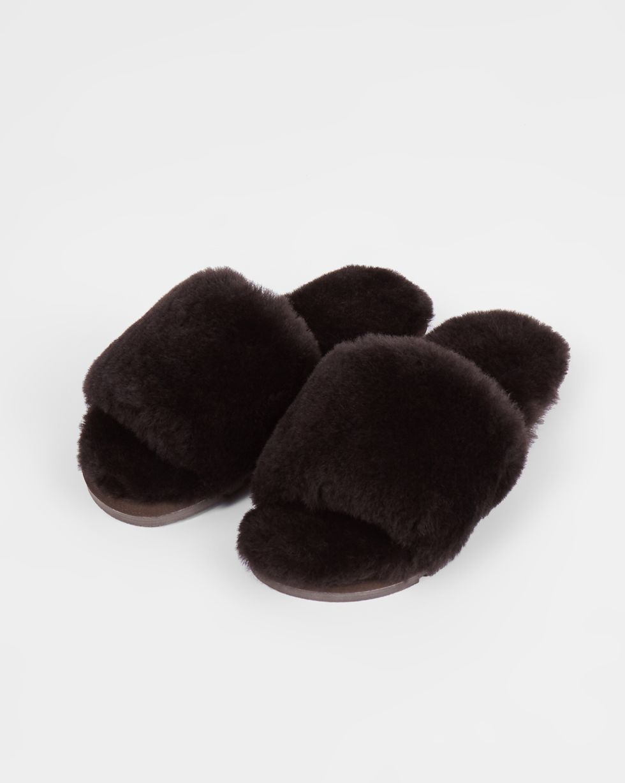 Тапочки открытые из овчины 38-39Обувь<br><br><br>Артикул: 818411951<br>Размер: 38-39<br>Цвет: Коричневый<br>Новинка: НЕТ<br>Наименование en: Sheepskin open-toe slippers