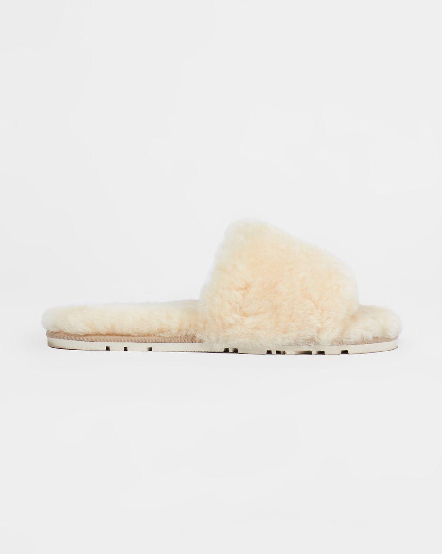 Тапочки открытые из овчины 36-37Обувь<br><br><br>Артикул: 818411952<br>Размер: 36-37<br>Цвет: Натуральный<br>Новинка: НЕТ<br>Наименование en: Sheepskin open-toe slippers