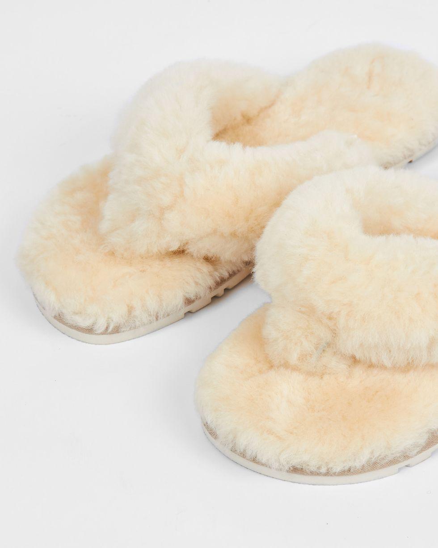 Тапочки с перемычкой из овчины 40-41Обувь<br><br><br>Артикул: 818411953<br>Размер: 40-41<br>Цвет: Натуральный<br>Новинка: НЕТ<br>Наименование en: Sheepskin flip-flop slippers
