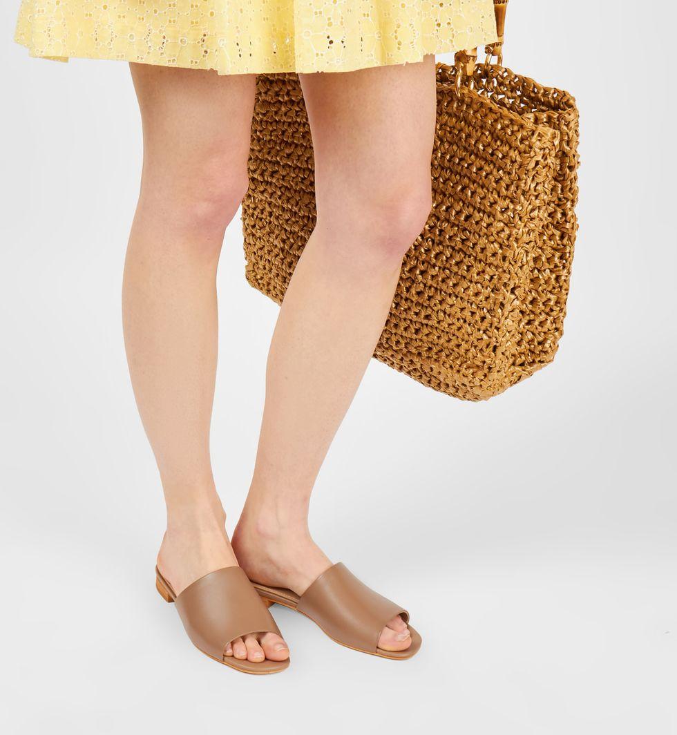 12Storeez Сандалии на низком каблуке (светло-коричневые)