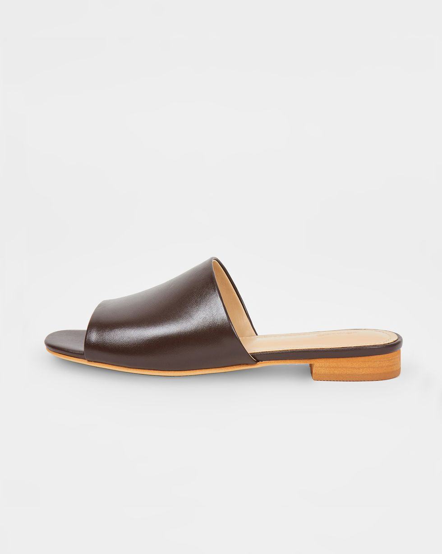 12Storeez Сандалии на низком каблуке (темно-коричневые)