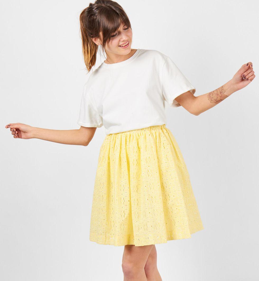 Юбка мини из шитья со сборкой MТопы и блузы<br><br><br>Артикул: 8278601<br>Размер: M<br>Цвет: Желтый<br>Новинка: НЕТ<br>Наименование en: Embroidered pleated skirt