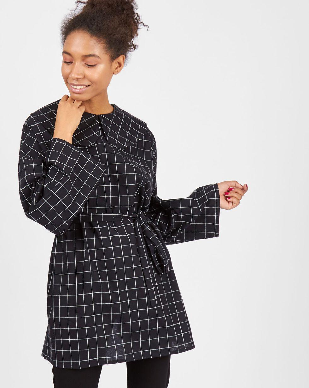 Блуза на пуговицах сзади One sizeТопы и блузы<br><br><br>Артикул: 82810553<br>Размер: One size<br>Цвет: Черный<br>Новинка: НЕТ<br>Наименование en: Button back blouse