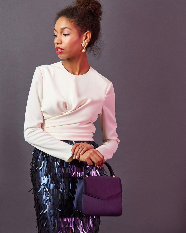 Блуза с завязками на груди SТопы и блузы<br><br><br>Артикул: 82811916<br>Размер: S<br>Цвет: Молочный<br>Новинка: НЕТ<br>Наименование en: Wrap front blouse