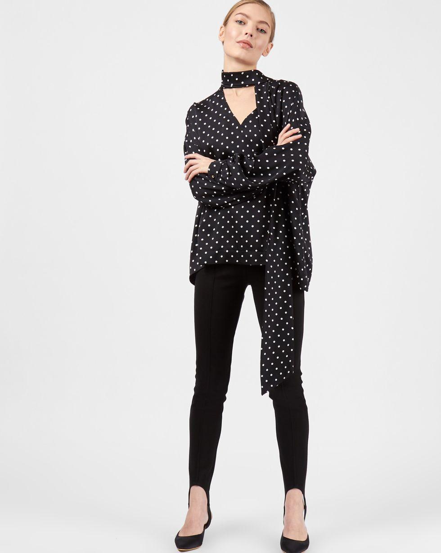 Блуза с вырезом и бантом в горошек MТопы и блузы<br><br><br>Артикул: 82812028<br>Размер: M<br>Цвет: Черный в горошек<br>Новинка: НЕТ<br>Наименование en: Polka dot blouse