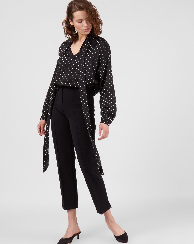 Блуза с вырезом и бантом в горошек SТопы и блузы<br><br><br>Артикул: 82812028<br>Размер: S<br>Цвет: Черный в горошек<br>Новинка: НЕТ<br>Наименование en: Tie detail polka dot blouse