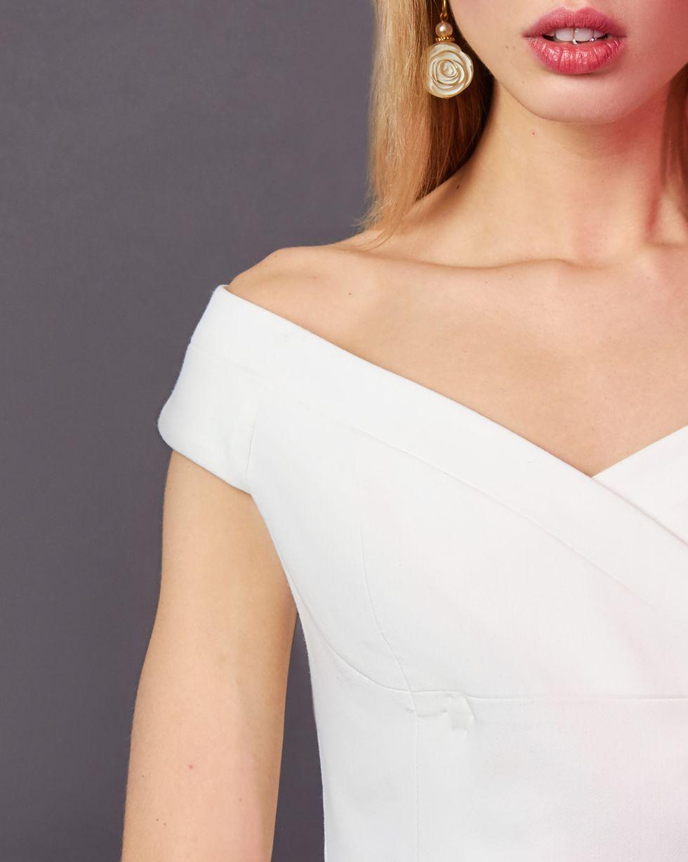 Топ двубортный LТопы и блузы<br><br><br>Артикул: 82812294<br>Размер: L<br>Цвет: Белый<br>Новинка: ДА<br>Наименование en: Double-breasted top