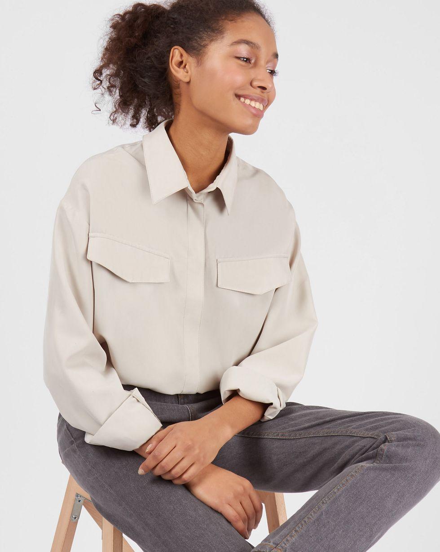Блуза объемная One sizeРубашки<br><br><br>Артикул: 82813005<br>Размер: One size<br>Цвет: Светло-бежевый<br>Новинка: НЕТ<br>Наименование en: Oversized flap pocket blouse