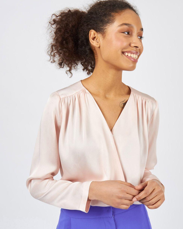 Блуза объемная с запахом SТопы и блузы<br><br><br>Артикул: 82813102<br>Размер: S<br>Цвет: Светло-розовый<br>Новинка: НЕТ<br>Наименование en: Oversized wrap front blouse