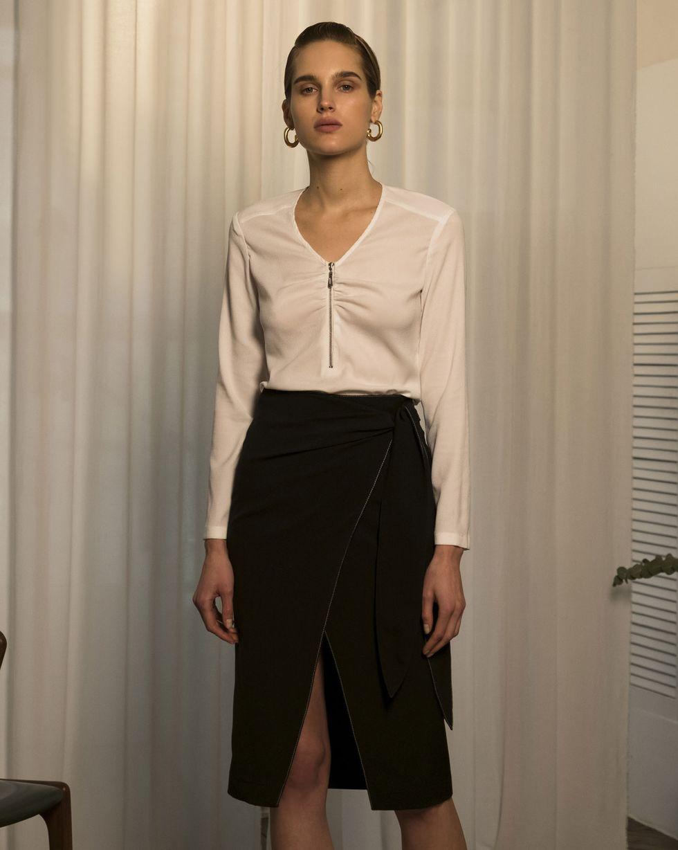 Блуза с V-образным вырезом LТопы и блузы<br><br><br>Артикул: 82813827<br>Размер: L<br>Цвет: Белый<br>Новинка: НЕТ<br>Наименование en: Long sleeve zip front blouse