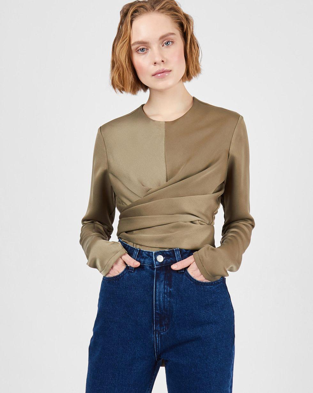 Блуза с завязками на груди  XSТопы и блузы<br><br><br>Артикул: 82813990<br>Размер: XS<br>Цвет: Хаки<br>Новинка: НЕТ<br>Наименование en: Wrap front blouse