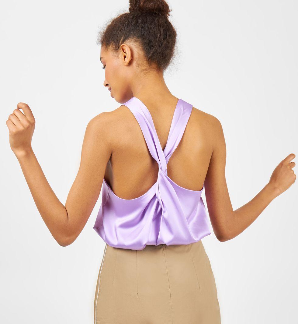 Топ шелковый на широких бретелях Mтопы и блузы<br><br><br>Артикул: 8287388<br>Размер: M<br>Цвет: Сиреневый<br>Новинка: НЕТ<br>Наименование en: Wide strap silk top