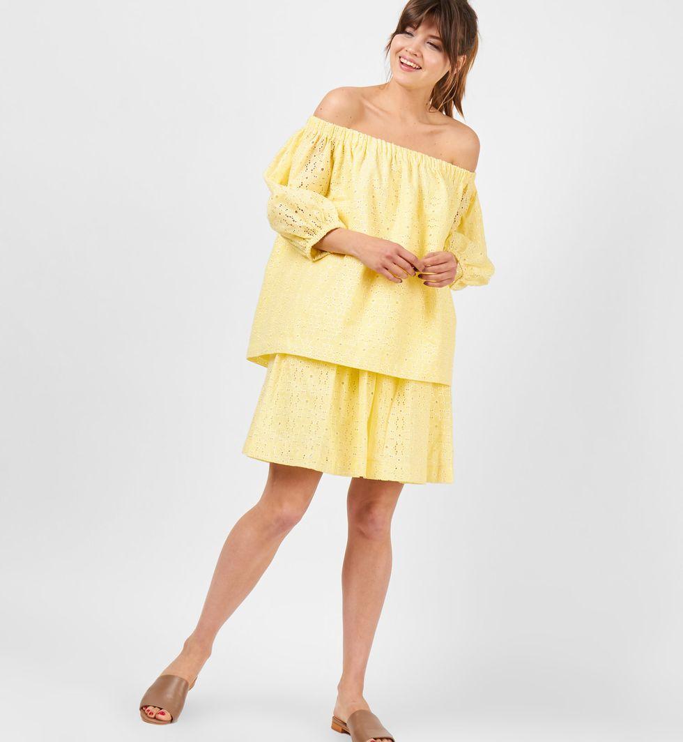 Блуза с рукавами фонарик из шитья One sizeТопы и блузы<br><br><br>Артикул: 8288599<br>Размер: One size<br>Цвет: Желтый<br>Новинка: НЕТ<br>Наименование en: Puff sleeve embroidered blouse