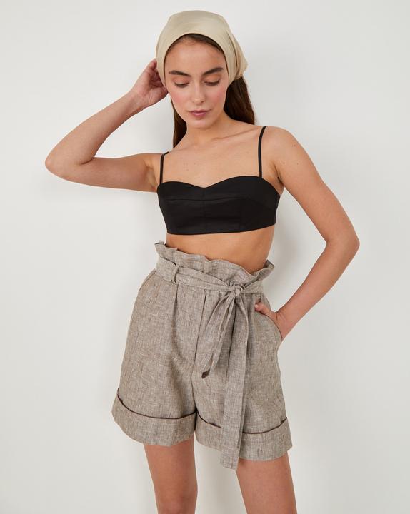 Льняные шорты с кантом фото