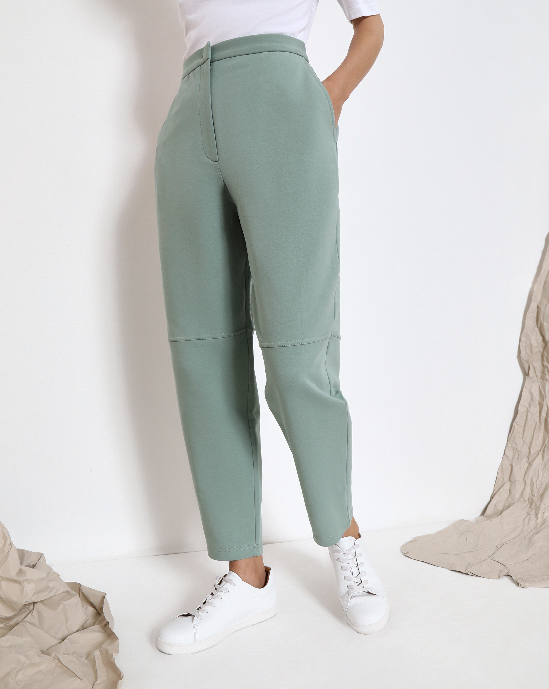 Спортивные брюки с карманами фото
