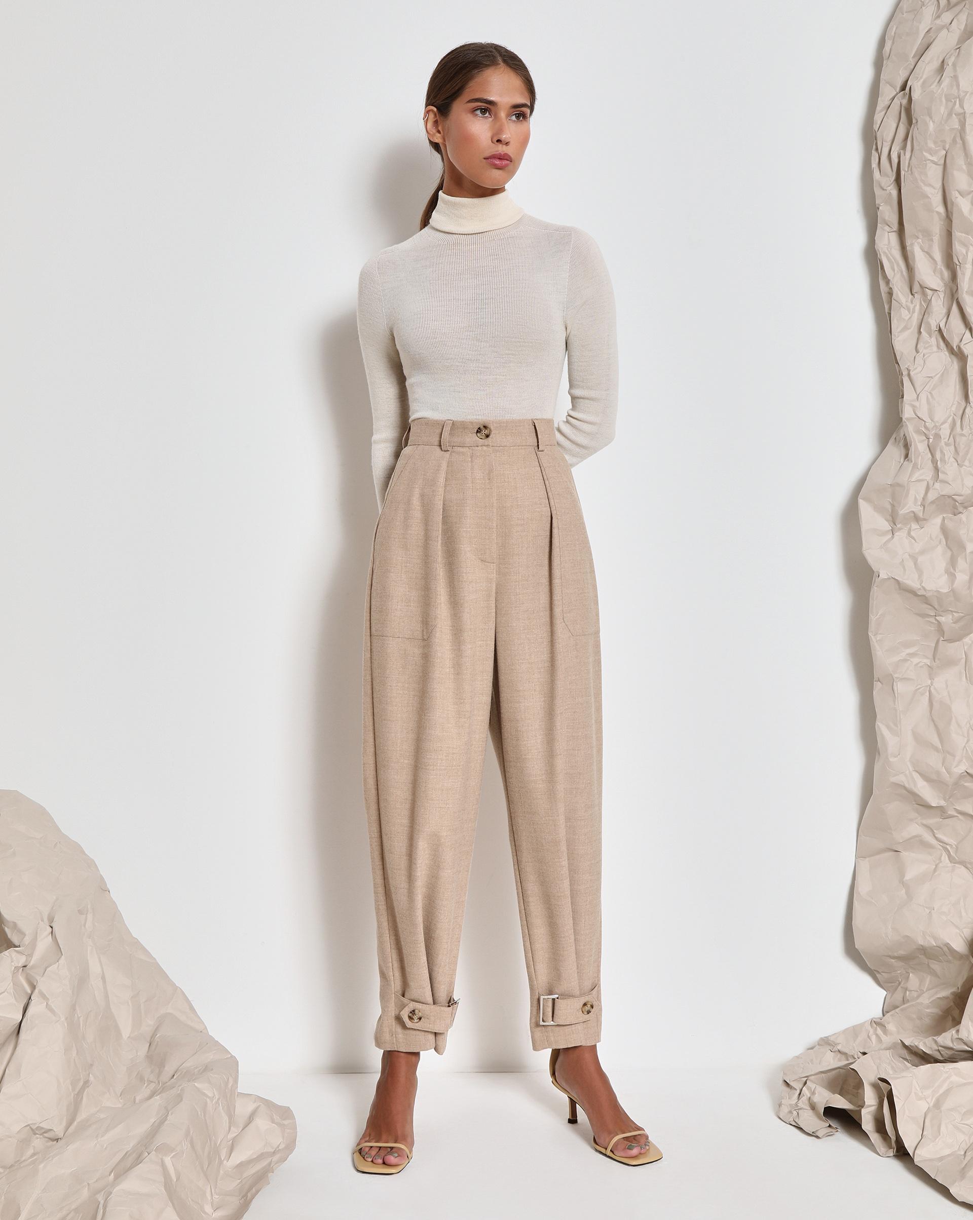Фото - 12⠀STOREEZ Брюки с регулировками по низу (Светло-бежевый меланж) брюки в городском стиле из ткани стретч с удлиняющими вырезами