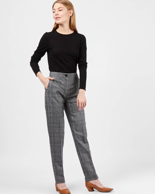 Брюки зауженные в клетку XSБрюки и джинсы<br><br><br>Артикул: 220811890<br>Размер: XS<br>Цвет: Серый<br>Новинка: НЕТ<br>Наименование en: Check tailored trousers