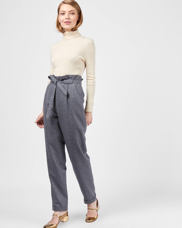 Брюки с защипами на подкладке XSБрюки и джинсы<br><br><br>Артикул: 220811926<br>Размер: XS<br>Цвет: Темно-серый<br>Новинка: НЕТ<br>Наименование en: High rise straight-leg trousers