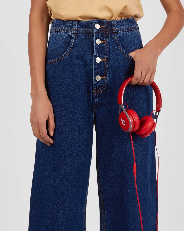 Джинсы широкие на пуговицах SБрюки<br><br><br>Артикул: 220812364<br>Размер: S<br>Цвет: Темно-синий<br>Новинка: НЕТ<br>Наименование en: Wide-leg button-fly jeans