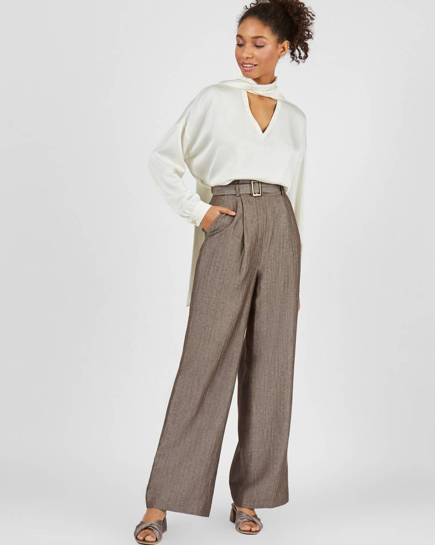 Брюки широкие с завышенной талией MБрюки<br><br><br>Артикул: 220812774<br>Размер: M<br>Цвет: Коричневый в елочку<br>Новинка: НЕТ<br>Наименование en: High rise wide leg trousers