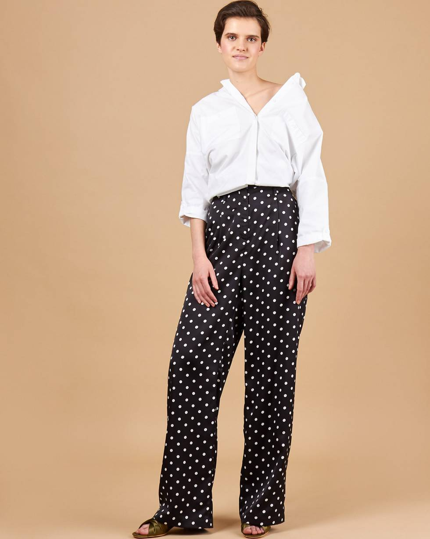 Брюки свободные в пижамном стиле SБрюки<br><br><br>Артикул: 220813563<br>Размер: S<br>Цвет: Черный<br>Новинка: ДА<br>Наименование en: Pyjama style wide-leg trousers