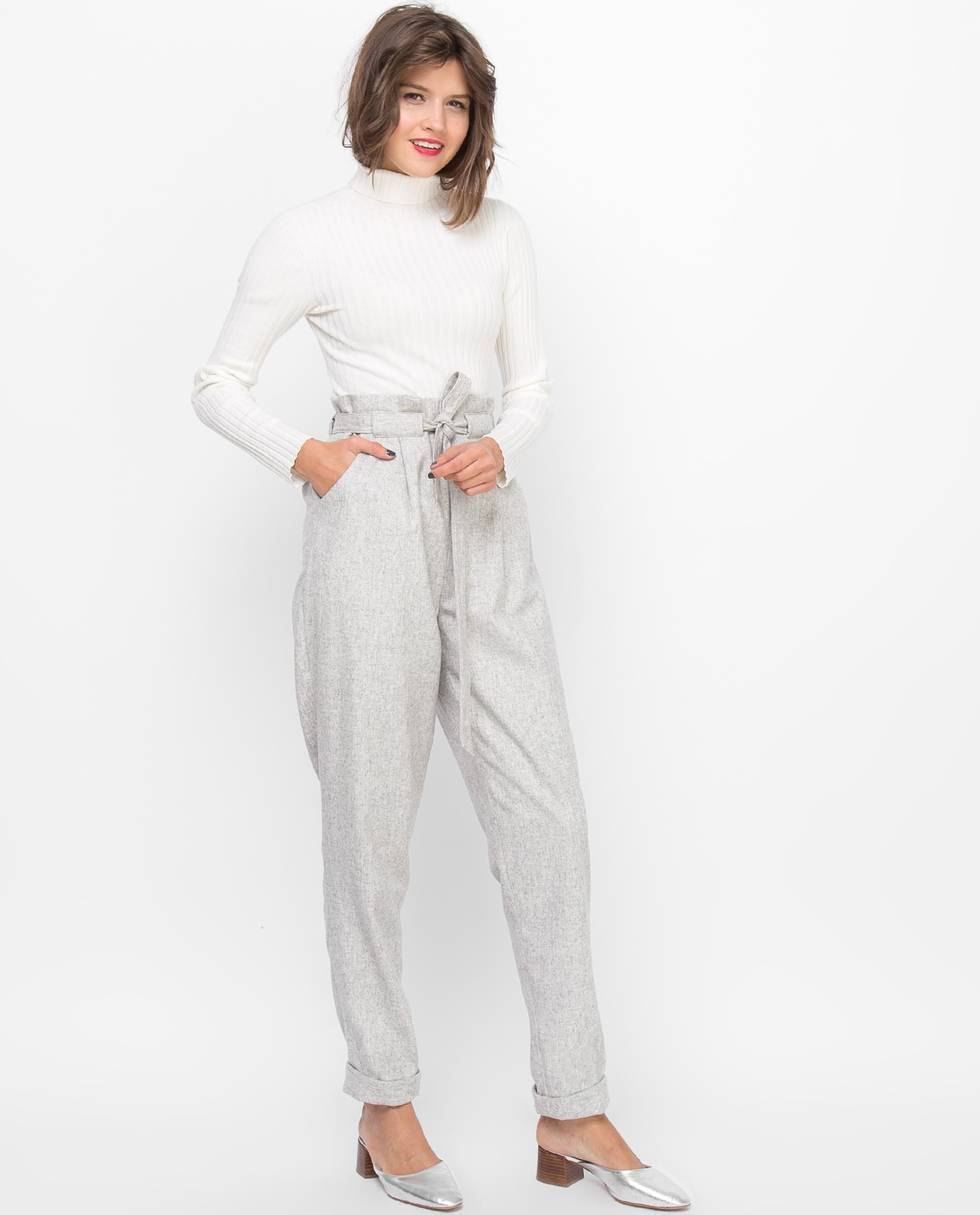 Брюки с защипами Мбрюки<br><br><br>Артикул: 22084741<br>Размер: M<br>Цвет: Серый<br>Новинка: НЕТ<br>Наименование en: Tie waist trousers