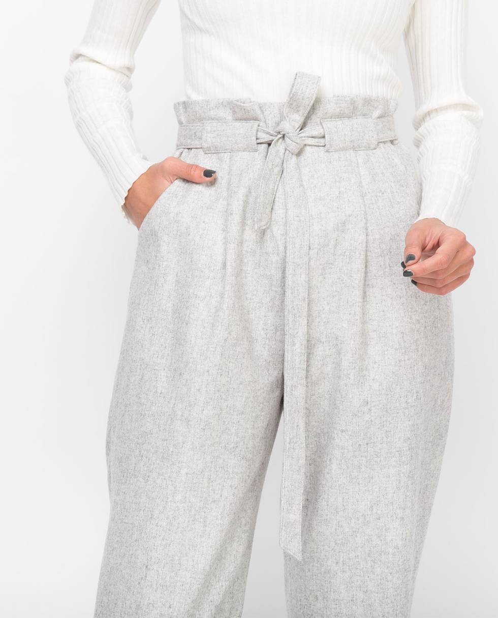 Брюки с защипами LБрюки и джинсы<br><br><br>Артикул: 22084741<br>Размер: L<br>Цвет: Серый<br>Новинка: НЕТ<br>Наименование en: Tie waist trousers