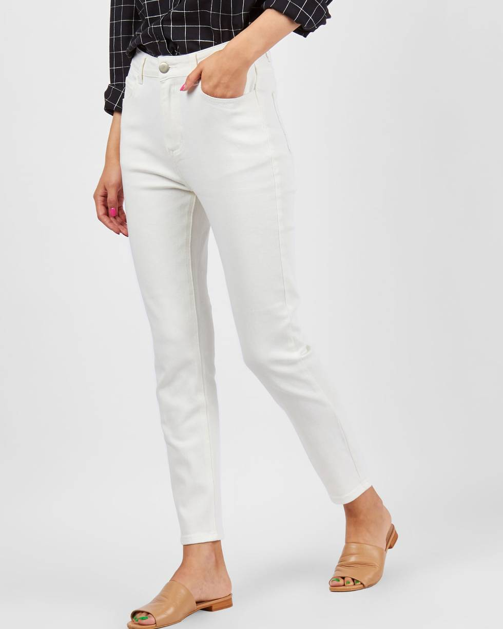 Джинсы классического покроя MБрюки<br><br><br>Артикул: 22089889<br>Размер: M<br>Цвет: Белый<br>Новинка: ДА<br>Наименование en: High waist straight leg jeans