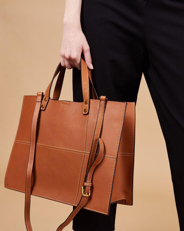 Фото - 12⠀STOREEZ Сумка-шопер из кожи с клепками на ручках 12storeez сумка рюкзак из кожи маленькая
